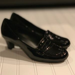 Black Patent Leather Naturalizer Heels Size 6.5